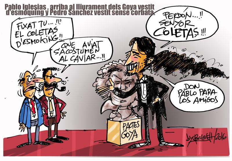 Pablo Iglesias arriba al lliurament dels Goya vestit d'esmòquing.