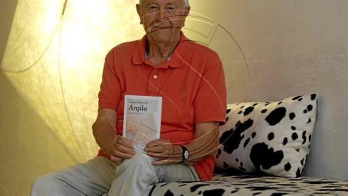Josep Vallverdú es confessa a 'Argila', un volum amb els seus poemes més íntims