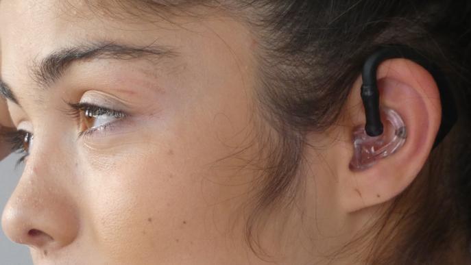 Dissenyen un auricular que prediu les crisis epilèptiques minuts abans que passin