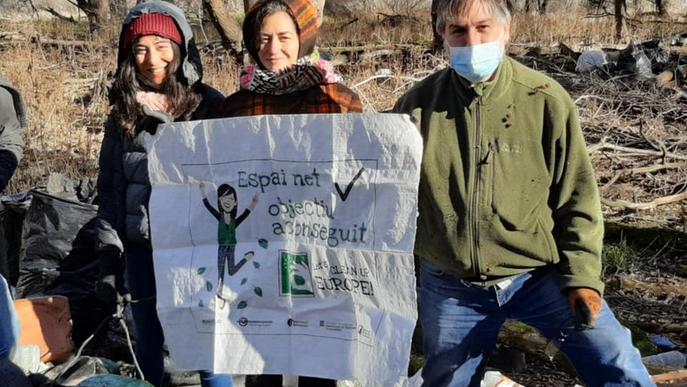 ⏯️ Voluntaris retiren més de 1.500 quilos de residus del pantà d'Oliana