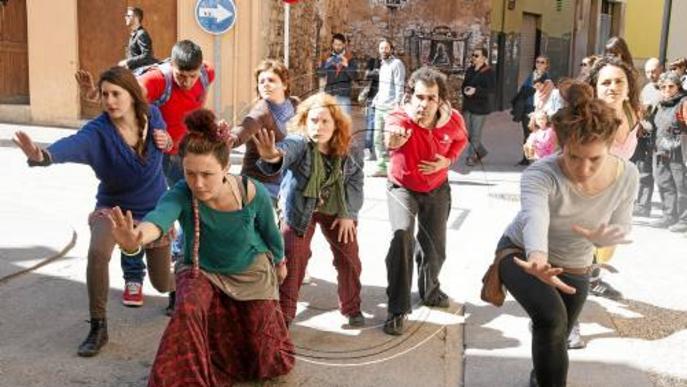 El centre de Tàrrega s'omple d'activitats teatrals de carrer