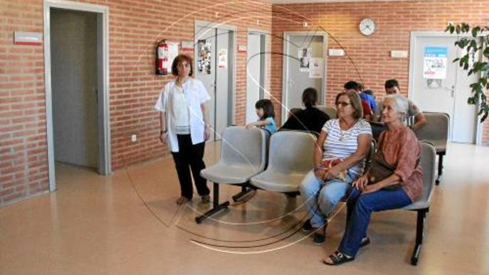 Torrefarrera amplia el consultori per evitar col·lapses de pacients