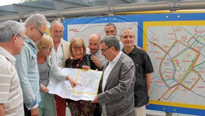 Vila Montcada vol autobús i Ronda elogia recuperar la L-2