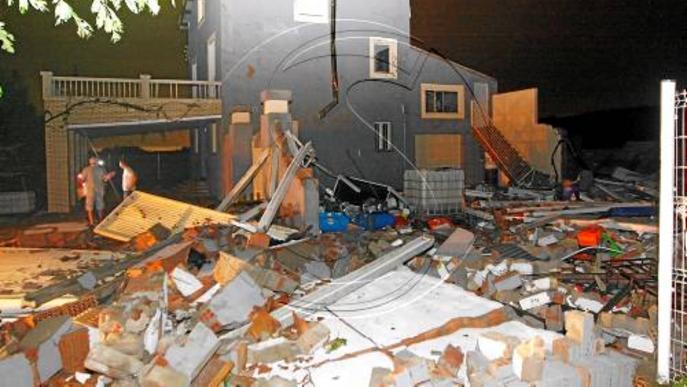 Concedides una desena de llicències exprés per reparar cases danyades per les pluges