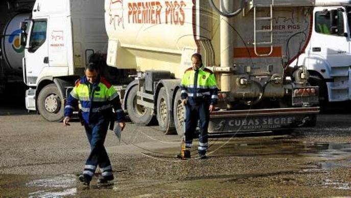 Mor un ancià atropellat per un camió en una gasolinera a Ivars
