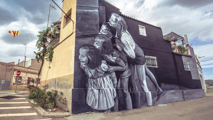 El mural 'Memorias' de Sara Rubio i Víctor García, guanyador del 3r Torrefarrera Street Art Festival