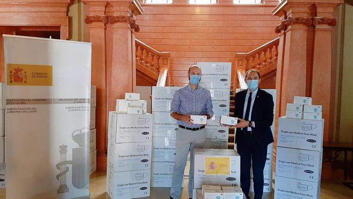 José Crespín lliura 66.000 mascaretes a la província de Lleida