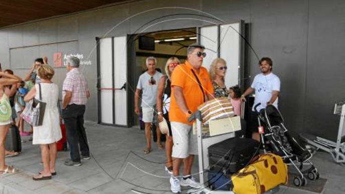Un total de 3.335 persones han viatjat a les Balears des d'Alguaire al juliol i agost