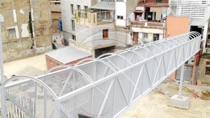 Reobren la passarel·la que uneix el Cegonyer amb el Miguel Servet