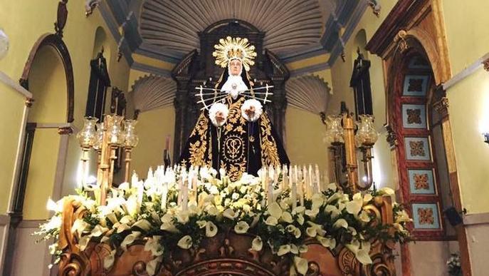 Veïns de Lleida demanen ajuda a la Mare de Déu dels Dolors contra el coronavirus