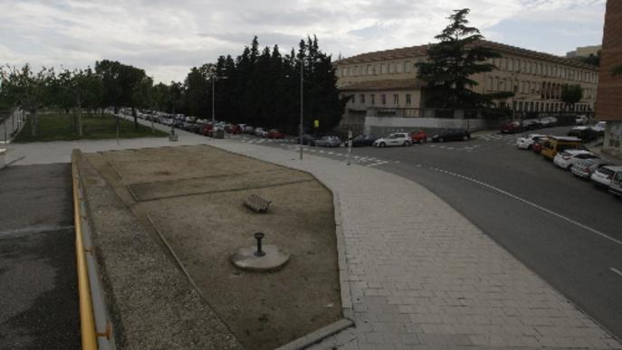 Condemnat per masturbar-se davant d'alumnes de la zona dels Instituts