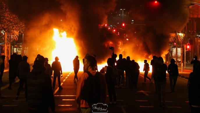 Quatre menors accepten la llibertat vigilada pels disturbis a Lleida contra la sentència del procés