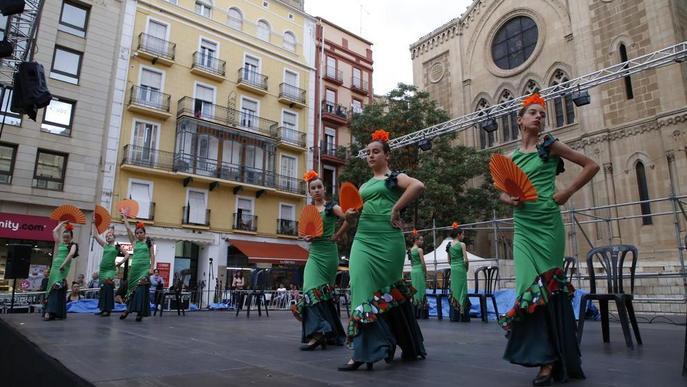 Música, sardanes i folklore perquè la festa no pari