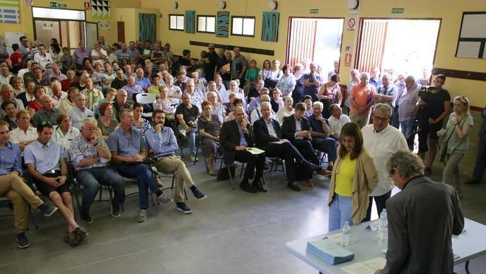 Uns 370 agricultors d'Alfés reben les finques reparcel·lades al cap de 10 anys