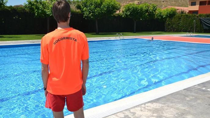 El TC avala les noves exigències del Govern per a socorristes en piscines
