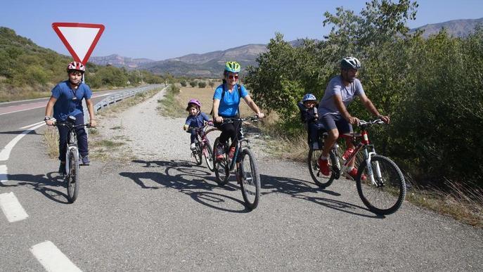 Els esports d'aventura creixen un 7% i el pont del Pilar tanca al 90% d'ocupació
