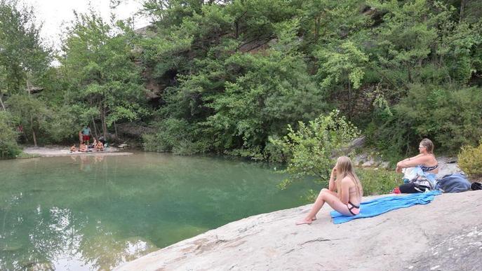 Coll de Nargó cobrarà entre 3 i 5 € per vehicle per accedir a les piscines naturals