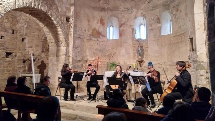 LleidArt Ensemble actua en una església de la Baronia de Rialb