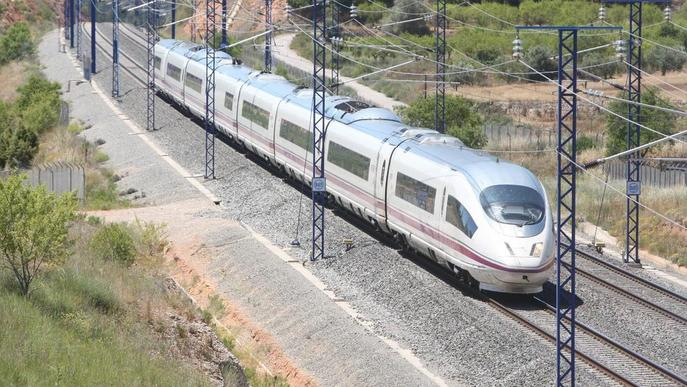 Retard de vora dos hores en un AVE amb parada a Lleida