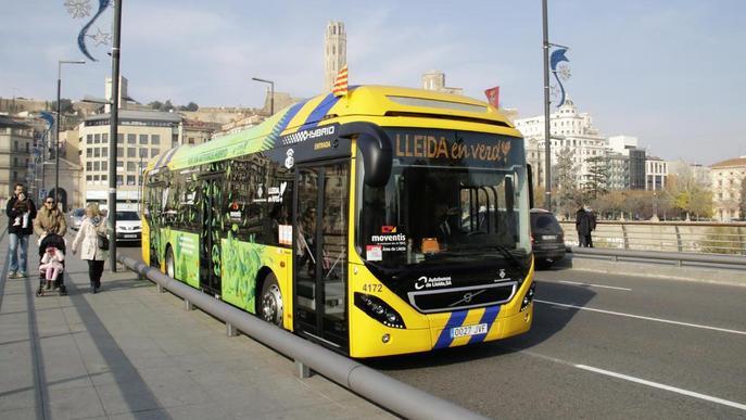 Un 41% dels 6,2 milions d'usuaris d'autobusos urbans viatgen gratis