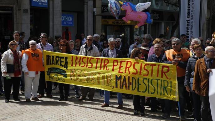 """Els pensionistes de Lleida exigeixen una paga """"digna"""" que superi els 1.080 euros al mes"""