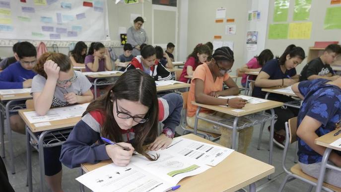 Ensenyament planteja un altre grup de P-3 a l'escola Camps Elisis per solucionar la manca de places