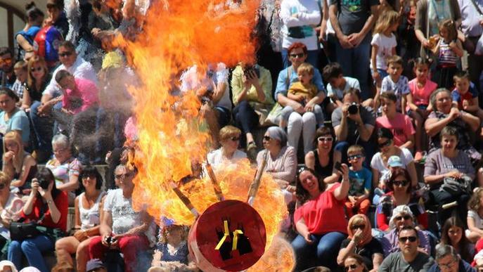 Flors, calor i confeti per Sant Anastasi
