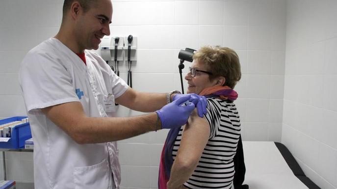 """L'escassetat de vacunes antitetàniques obliga a restringir-les només als casos """"prioritaris"""""""