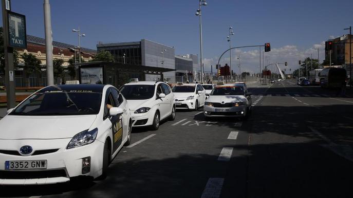 El 38% dels taxis de Lleida són híbrids