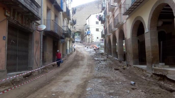 El xàfec de dilluns a Balaguer retarda 15 dies les obres del carrer Botera