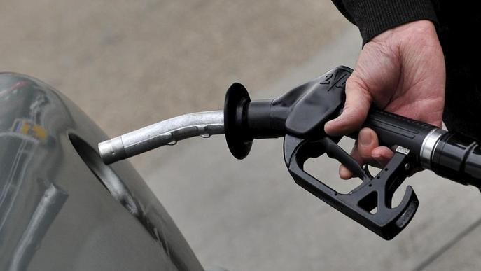 La pujada de taxes del gasoil costarà 7 milions als cotxes