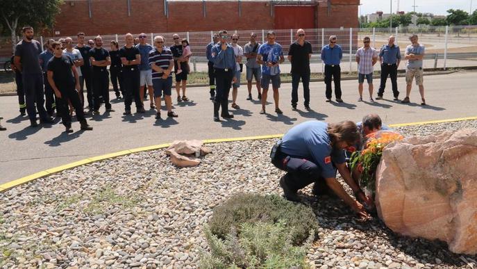 Homenatge als cinc bombers morts a Horta el 2009