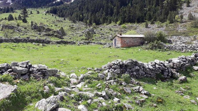 Treballs per recuperar el camí de Sarrahèra