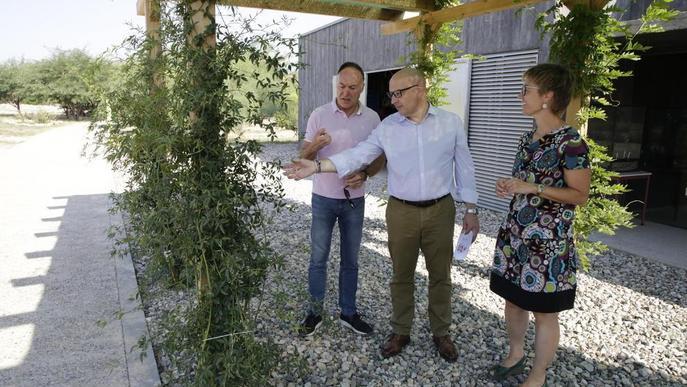 L'Arborètum incorpora un terrari amb plantes carnívores i una pèrgola