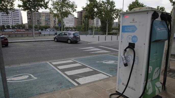 Dos punts de recàrrega a Balàfia i al costat de l'Arnau per a cotxes elèctrics