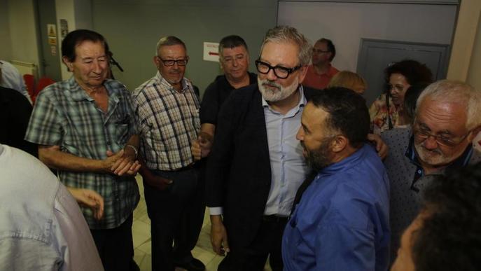 Larrosa prepara canvis al seu equip i ofereix diàleg a l'oposició, que hi veu continuisme