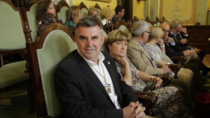 Larrosa s'estrena com a alcalde marcant perfil propi respecte a Àngel Ros