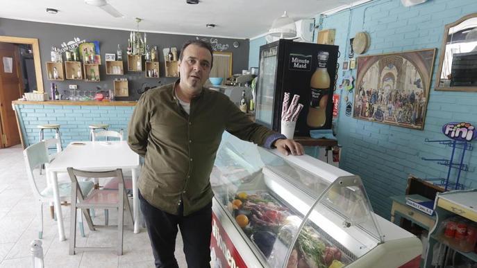 """En perill el futur de vint comerços de Sucs, Raimat i Llívia, que se senten """"abandonats"""""""