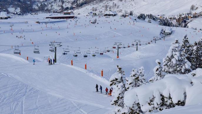 L'esquí arranca temporada al desembre i en 5 mesos donarà feina a més de mil persones