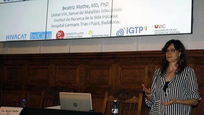 La doctora Beatriz Mothe ofereix una xerrada sobre el VIH i la Sida a l'IEI