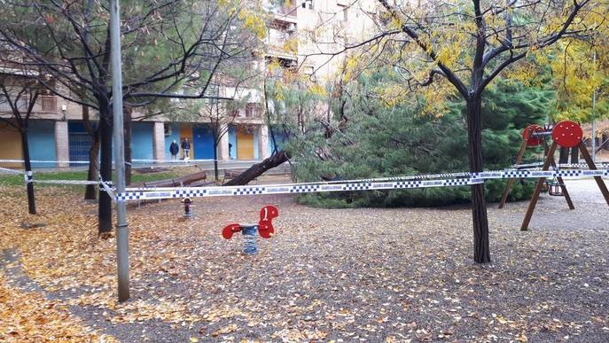 La Paeria precinta espais infantils i esportius al carrer i demana reduir encara més els desplaçaments