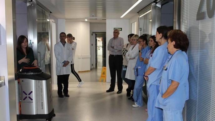Robot contra les infeccions a l'Arnau i el Santa Maria