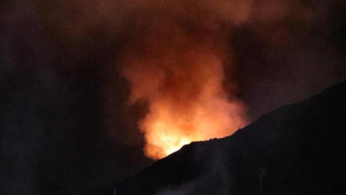 Els parcs de bombers professionals continuaran sota mínims un altre mes