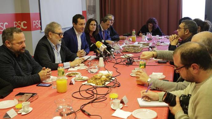 Larrosa nega que hi hagi un pacte de govern amb Cs