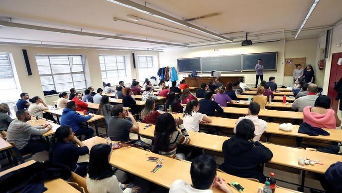 Més d'un centenar de graduats de la UdL fan les proves del MIR