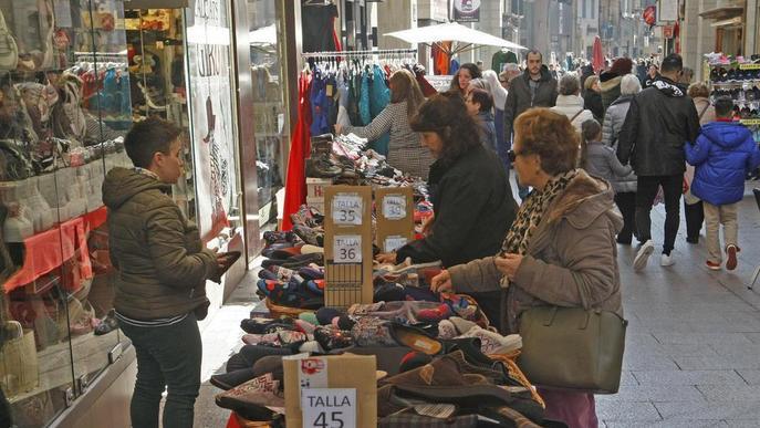 L'Eix inicia el Mercat de les Rebaixes, que arriba en ple descens de vendes