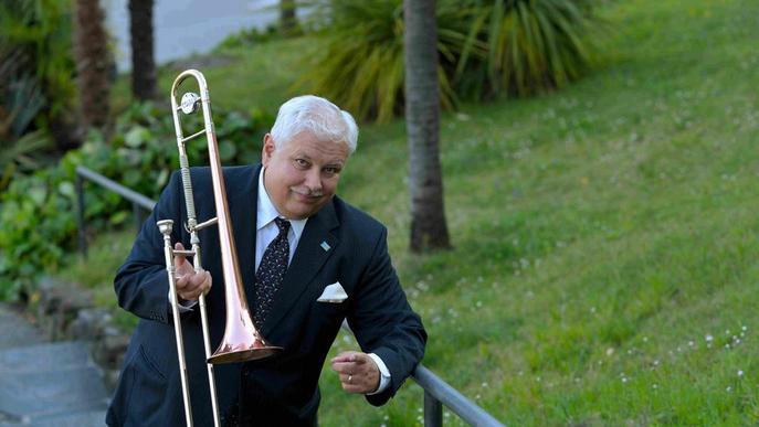 El trombonista Dan Barrett, avui a la UdL amb la seua banda
