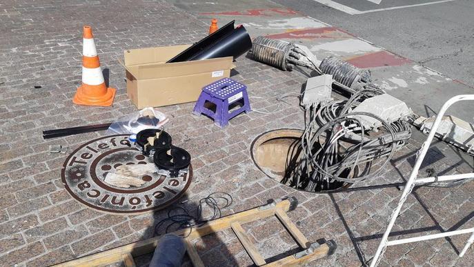 Veïns i comerços de Salmerón i Prat de la Riba, una setmana sense telèfon fix ni internet