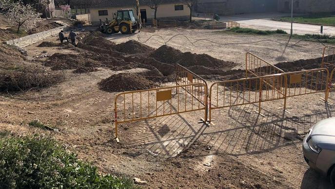 Sant Guim de la Plana remodela la plaça d'accés a la població
