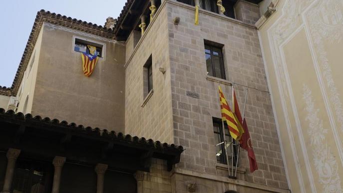 La Junta Electoral dóna 24 hores per treure símbols sobiranistes de la Paeria